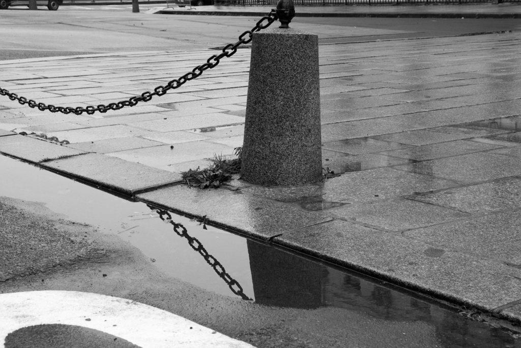 עמוד ברחוב